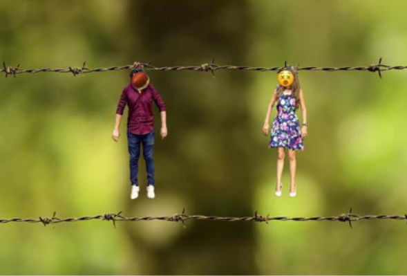 couple's creepy engagement photo with barbed wire