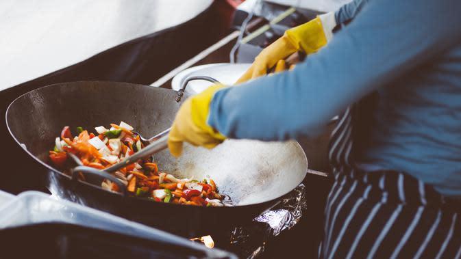 Ilustrasi memasak | Clem Onojeghuo dari Pexels