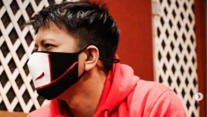 7 Masker Fashionable Karya Desainer Lokal, Bikin Pengin Pakai Terus