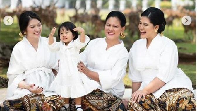 Foto Iriana Jokowi Bareng Anak dan Menantu diunggah di Hari Ibu. foto: @dierabachir. (dok.Instagam @dierabachir/https://www.instagram.com/p/B6Wv2OhnxhA/Henry)