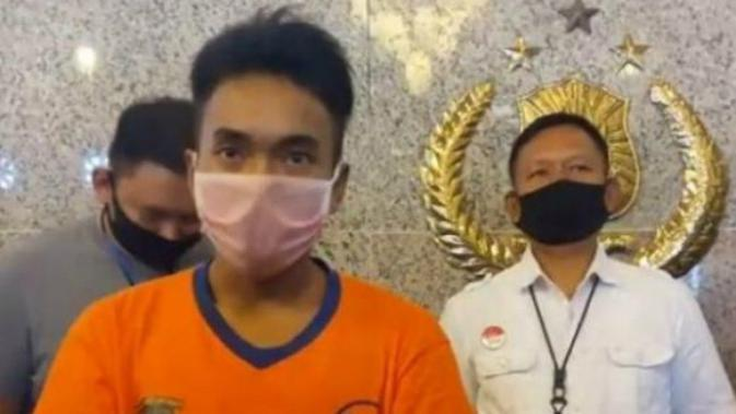 Pengadilan Negeri Surabaya (PN) Surabaya menggelar sidang lanjutan dugaan kasus pembunuhan terhadap seorang terapis online. (Foto: Liputan6.com/Dian Kurniawan)