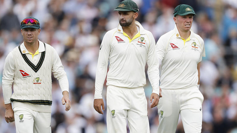 Peter Siddle (right), pictured here during the fifth Ashes Test.