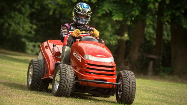 Honda's fire-spitting lawnmower speeds to 130 mph