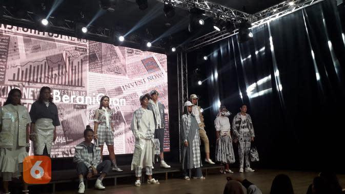Desainer muda mengajak kaum milenial untuk berinvestasi demi masa depan (Liputan6.com/Komarudin)
