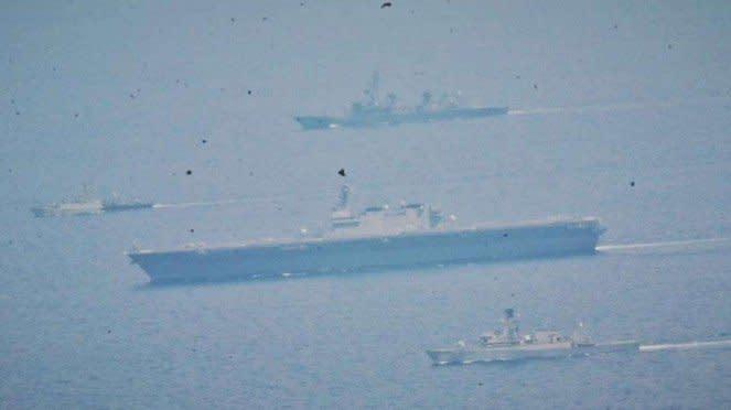 VIVA Militer: Dua Unsur JMSDF Latma Dengan Dua KRI di Natuna Utara