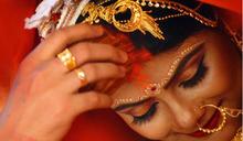 印度婚禮不交換戒指?新娘戴上「羞恥」的金項鍊