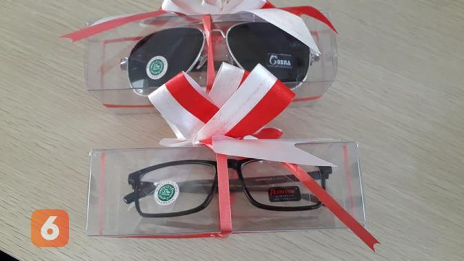 PT Atalla Indonesia meluncurkan kacamata dan lensa halal pertama di Indonesia (Liputan6.com/Komarudin)