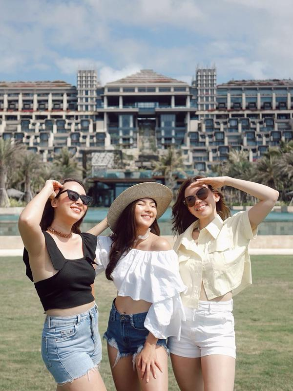 Liburan bareng Jessica Milla, Pamela Bowie dan Michelle Joan di Bali (Sumber: Instagram/jscmila)