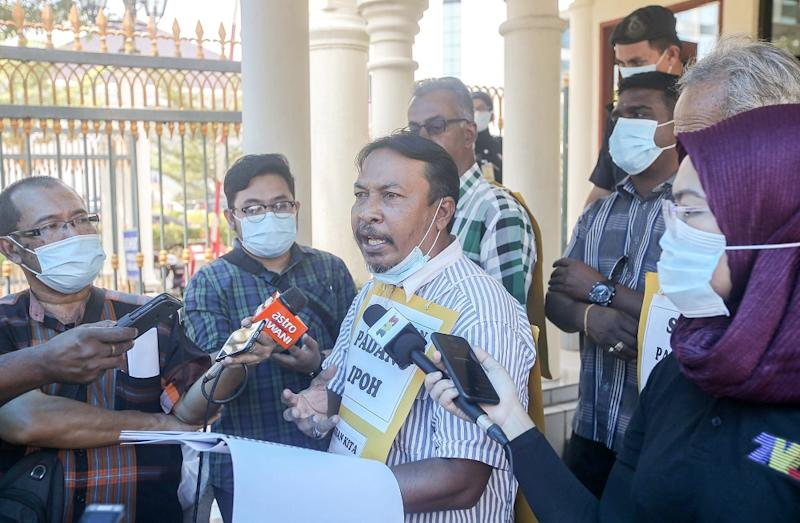 Roslan Ali, representing the residents of Ipoh, speaks to reporters in front of the State Secretariat Building in Ipoh September 22, 2020. ― Picture by Farhan Najib