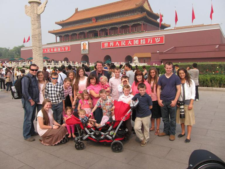 19 Kids and Counting: Duggars Do Asia