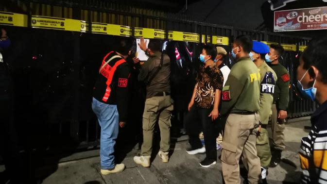 35 Pegawai dan Pengunjung Karaoke di Surabaya Tertangkap Razia Petugas