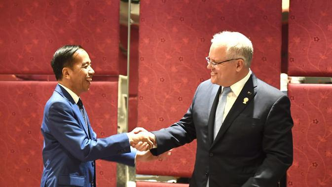 Presiden RI Joko Widodo dan PM Australia Scott Morrison pada sela-sela KTT ASEAN di Bangkok, Thailand, 4 November 2019 (sumber: Sekretariat Presiden RI)