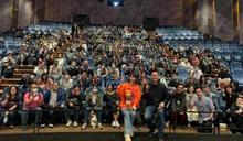 上映22天衝破億 徐若瑄為《孤味》難得曝私照謝家人