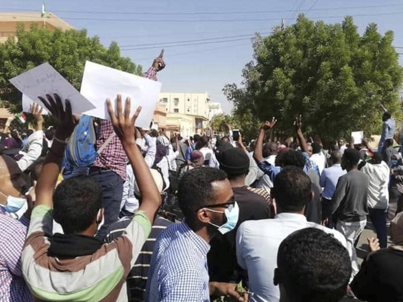 暴力鎮壓未果 巴希爾安撫人民稱將改革
