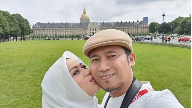 Denny Cagur dan istri (Sumber: Instagram/shantydenny)