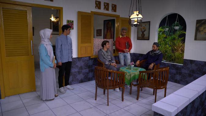 Adegan sinetron Insya Allah Surga Tingkat 2 ditayangkan SCTV mulai Senin, 1 Juni 2020 (Dok Starvision Plus)