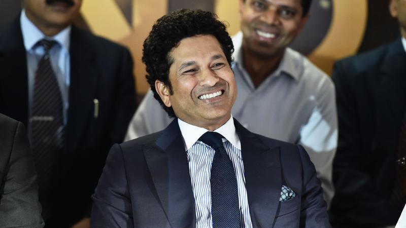 Sachin Tendulkar has marvelled at Steve Smith's unique batting style.