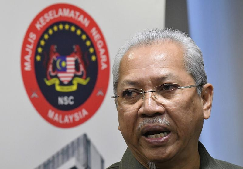 Federal Territories Minister Tan Sri Annuar Musa says there are no funds or developers for Kampung Baru's purported redevelopment that sparked controversy last year. — Bernama pic