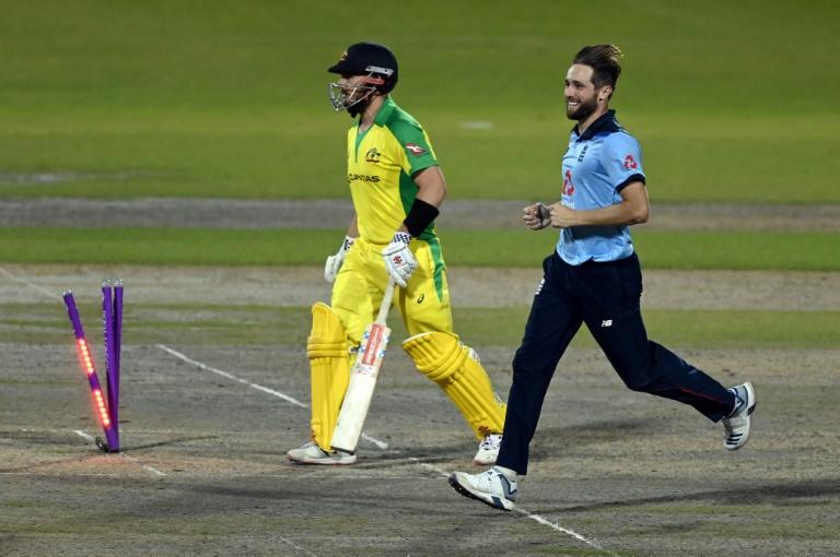 Morgan hails 'aces' Archer and Woakes as England rally to beat Australia