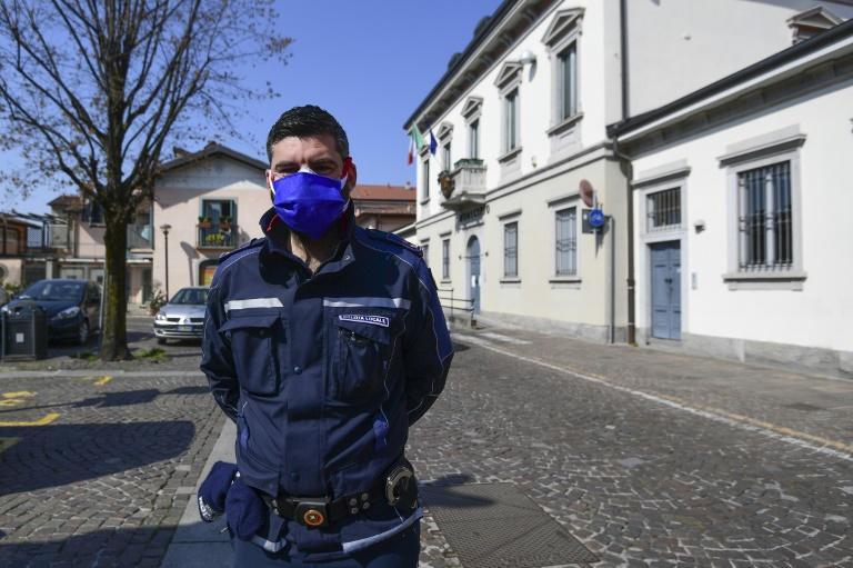 'Everything is perfectly legal,' says Matteo Copia, Commander of the Treviolo municipal police