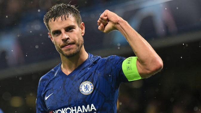 Cesar Azpilicueta (262 laga) Bek berusia 30 tahun ini telah membela Chelsea dari tahun 2012 hingga sekarang. Azpilicueta memiliki 262 laga bersama The Blues di pentas Premier League. (AFP/Glyn Kirk)