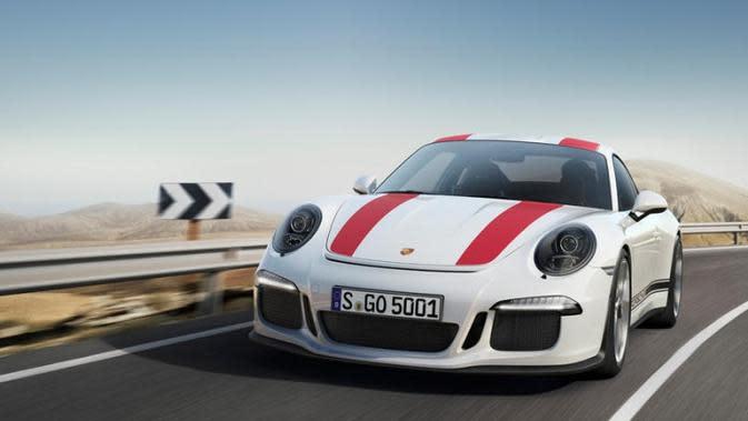 Porsche-nya Diserempet, Pria Ini Hanya Minta Ganti Rp 9 Ribuan