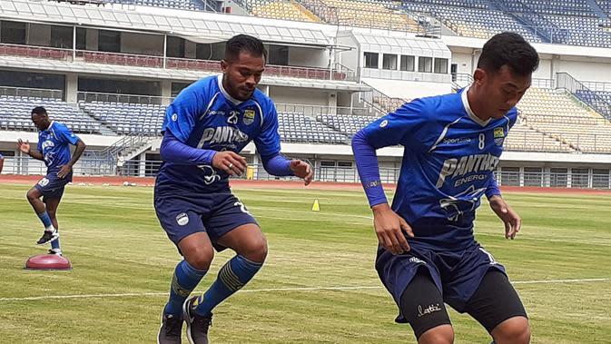 Zulham Zamrun resmi gabung PSM dan sudah menjalani latihan perdana bersama Maung Bandung (3/2/2020). (Bola.com/Erwin Snaz)
