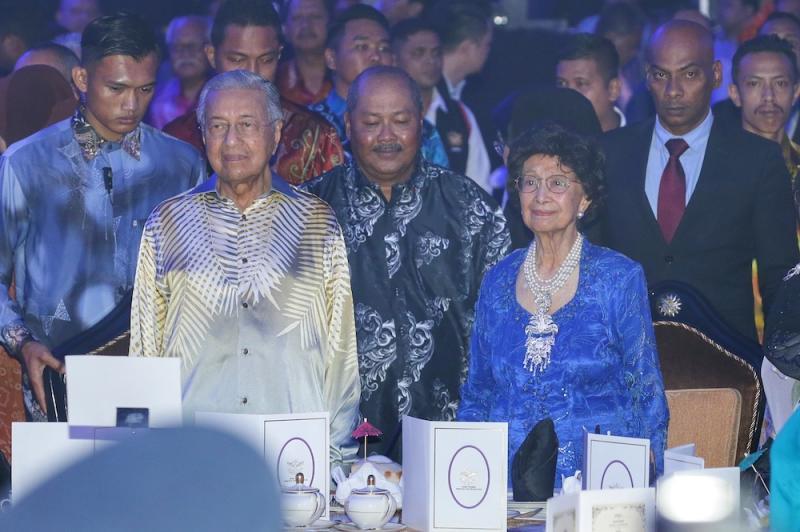 Patron Tun Dr Siti Hasmah Mohd Ali and Tun Dr Mahathir Mohamad attend the Warriors' Fund charity dinner at Wisma Perwira Angkatan Tentera Malaysia in Kuala Lumpur October 21, 2019. — Picture by Ahmad Zamzahuri
