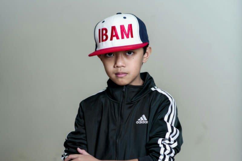 """Ibam hadirkan sisi lain kota New York di video musik """"Alone"""""""