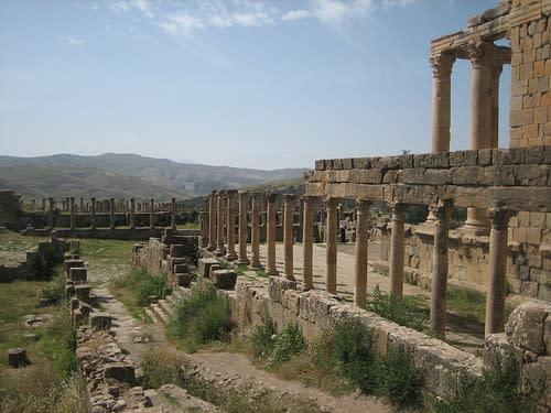مدينة جميلة الاثرية....اثار رومانية غاية في الروعة. 1142449158_1d4c5f5b7