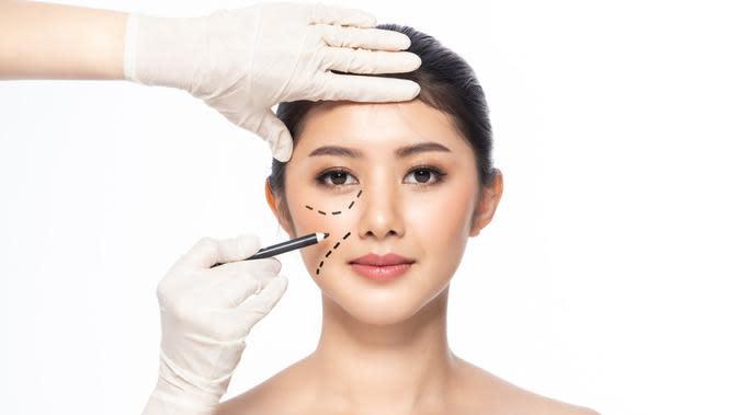 Cari Tahu Beda Prosedur Operasi Plastik dan Bedah Kosmetik