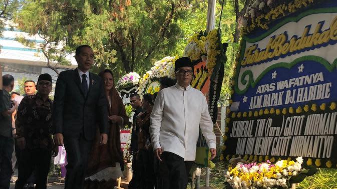 Jokowi Ajak Seluruh Masyarakat Indonesia Doakan BJ Habibie