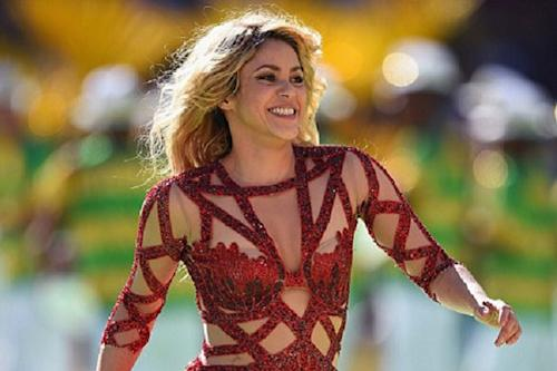 Shakira Steams Up World Cup Closing Ceremony With Sexy Performance (Video)