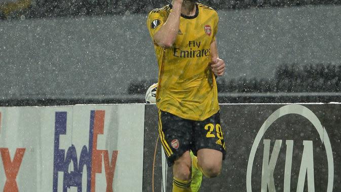Shkodran Mustafi merayakan gol ke gawang Vitoria Guimaraes dalam lanjutan Europe League, Rabu (6/11/2019). Arsenal ditahan imbang 1-1. (Dok. Twitter/arsenal)