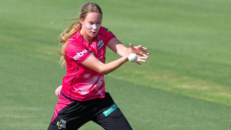CRICKET WBBL SIXERS STRIKERS