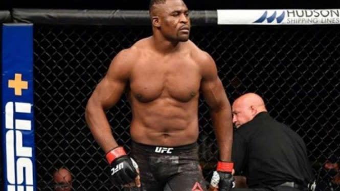 Mengerikan, Titisan Mike Tyson Pamer Kebal Pukulan Lagi