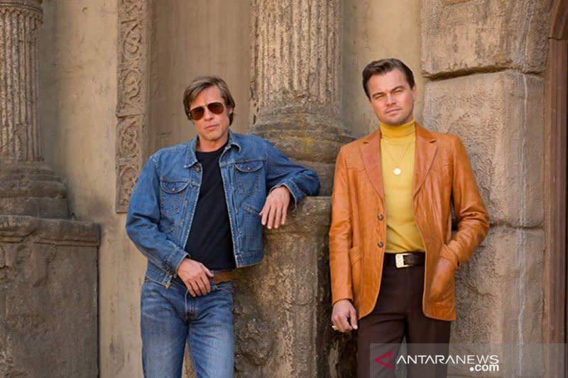 Brad Pitt tanya astronot, lebih bagus aktingnya atau George Clooney