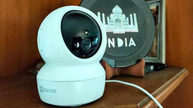 Kamera pengawas Ezviz C6N