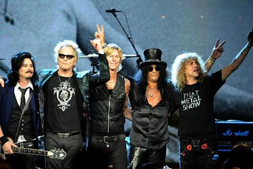 Axl Rose Booed, Ignored at Rock Hall of Fame Inductions