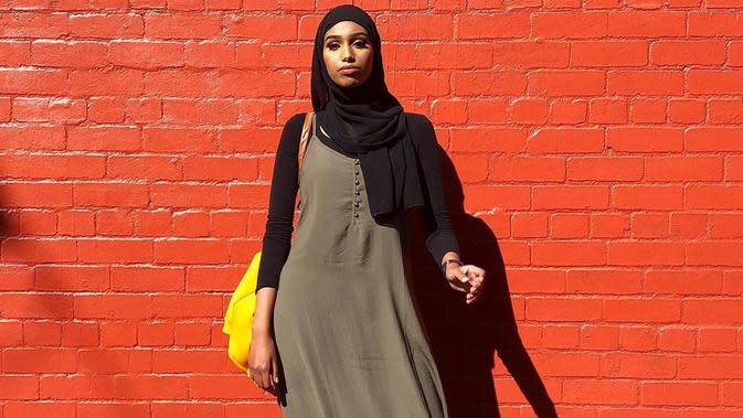 Model berhijab pertama yang tampil di Melbourne Fashion Festival. (dok. Instagram @iamxanaan/https://www.instagram.com/p/BiMLtw_nAlA/Putu Elmira)