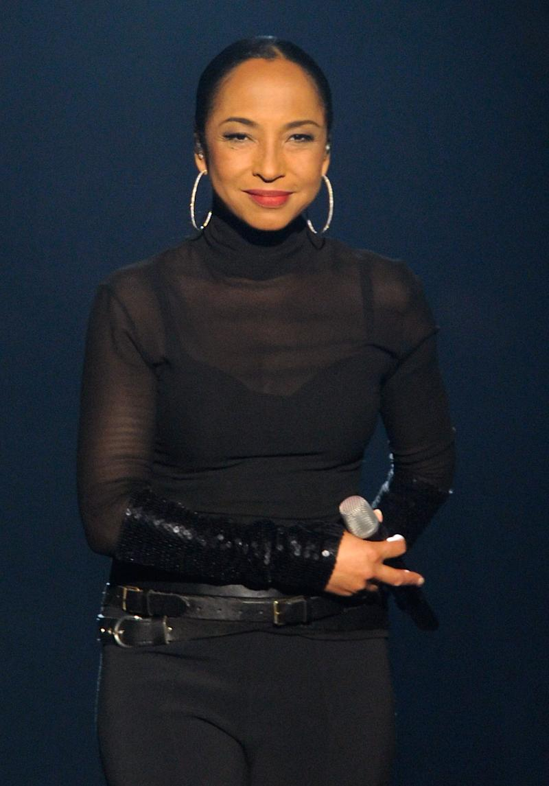LAS VEGAS, NV - SEPTEMBER 03: Singer/songwriter Sade performs at the MGM Grand Garden Arena September 3, 2011 in Las Vegas, Nevada. (Photo by Ethan Miller/Getty Images)