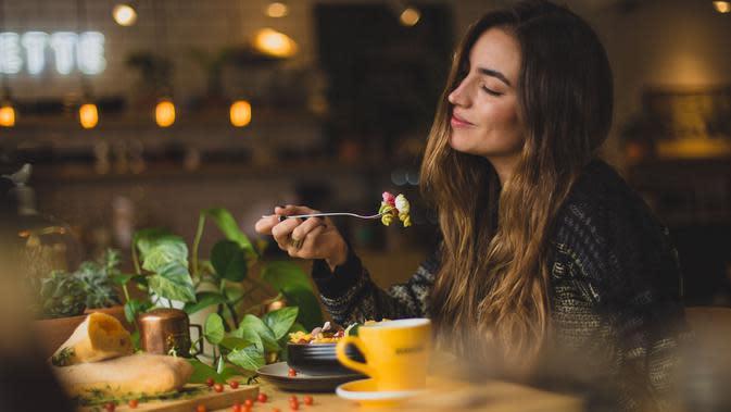 Ilustrasi makan konsep mindful eating. (Foto: unsplash.com)