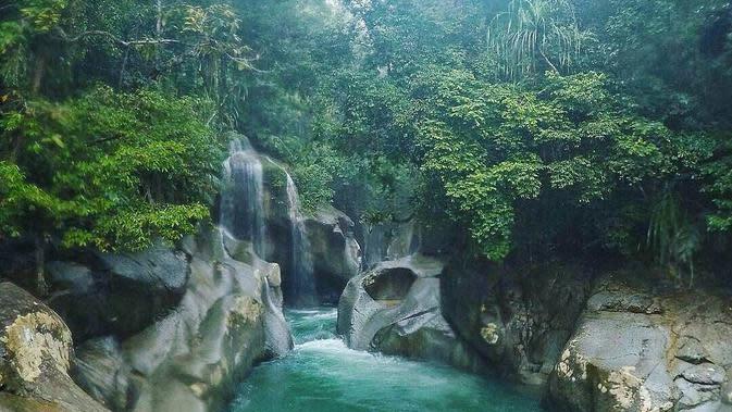 Air Terjun Nyarai, Lubuk Alung, Pariaman, Sumatera Barat. (fathuribrahim_/Instagram)