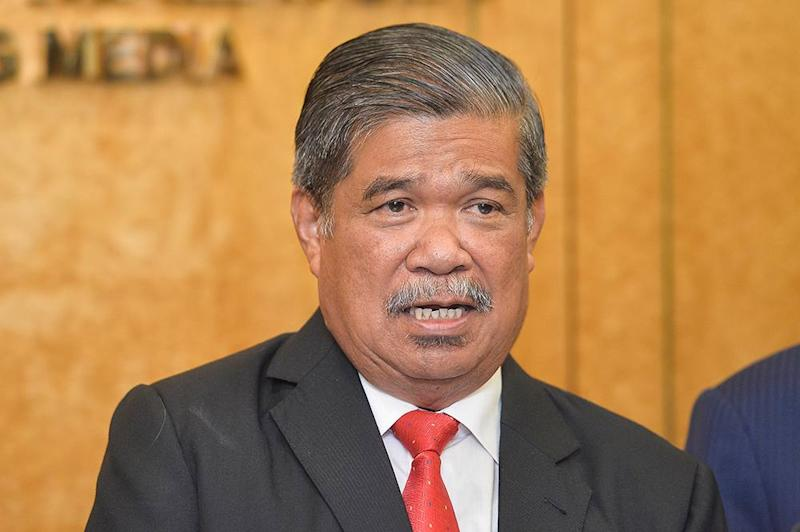 Defence Minister Mohamad Sabu took a swipe at Datuk Seri Najib Razak for insinuating that the Parti Amanah Negara president was the minister who allegedly made the joke as written in a column in English daily The Star. — Picture by Miera Zulyana