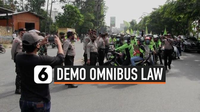 VIDEO: Berniat Demo ke Jakarta Ratusan Buruh Tangerang Diadang Polisi