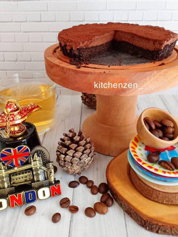 ilustrasi aneka resep pie coklat yang praktis, manis dan enak/Instagram: @kitchenzen_