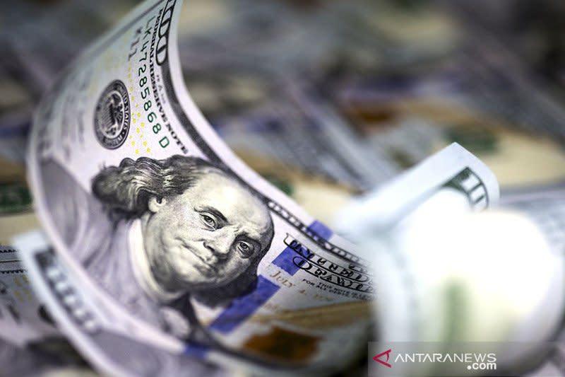 Dolar AS melemah ketika pelaku pasar memantau stimulus COVID-19