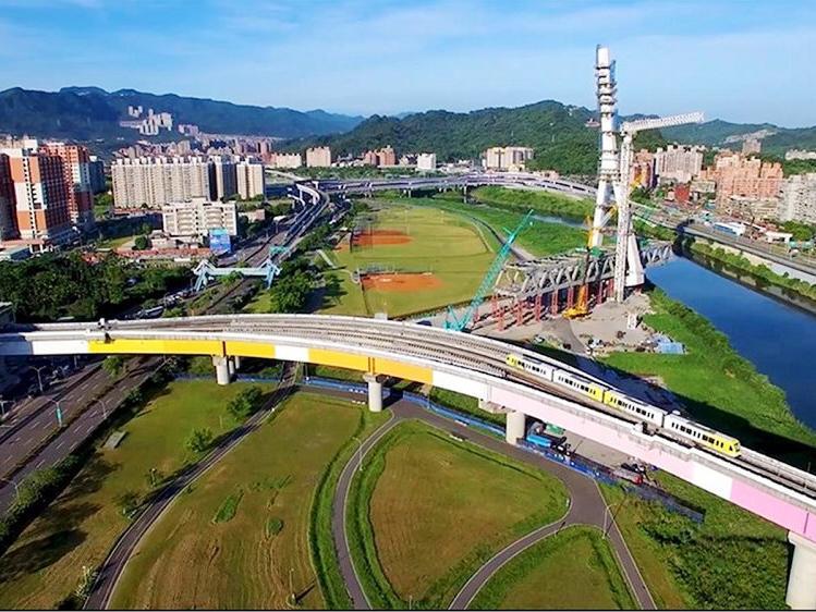 秀朗橋站到板新站