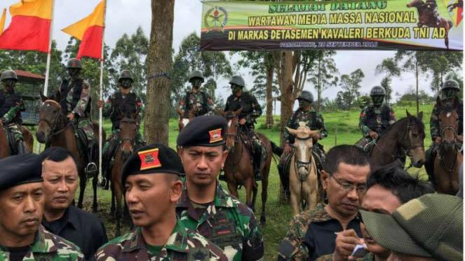 Komandan Detasemen Kavaleri Berkuda Mayor Solikhin