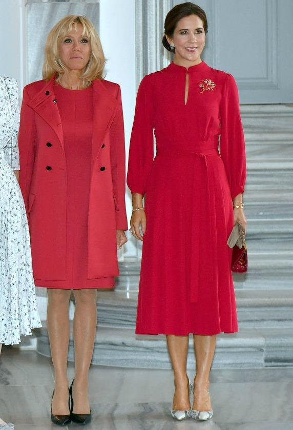 <p>The 46-year-old not only looks completely glamourous here, yet her dress featuring loose fitting three-quarter sleeves and a tie at the waist is very on trend at the moment. Source: Getty </p>